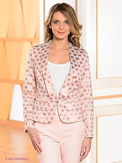71d496b05132 Пиджаки розового цвета могут быть прямыми, приталенными, удлиненными,  укороченными. Не так давно в топе были длинные модели, закрывающие собой  бедра, ...