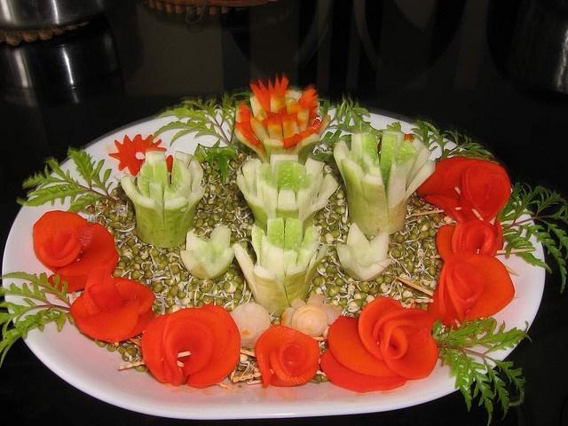 Как красиво украсить салат