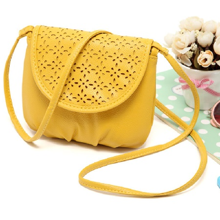 сумка среднего размера